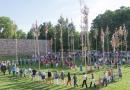 Májusfaliget kitáncolás a várparkban – 2015